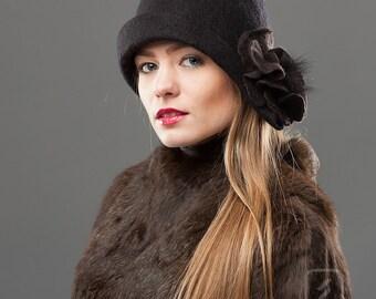 Cloche Felt Black Hat Retro style Soft Wool Warm Headpiece
