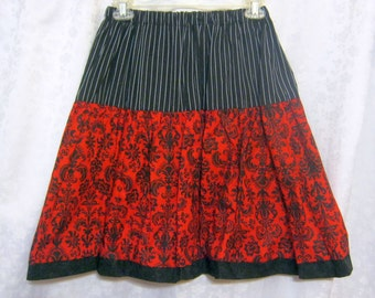 Black and Red Gothic Lolita Skirt by Erikas Chiquis