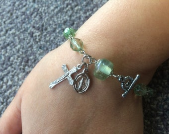 Light Green Rosary Bracelet Single Decade Catholic Chaplet with Crucifix and Holy Medal