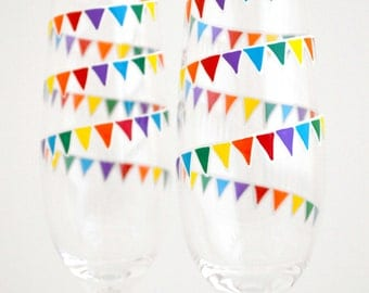Rainbow Garland Champagne Flutes - Set of 2 Personalized Wedding Toasting Flutes - Gay Pride Wedding Glasses - LAST SET
