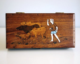 Vintage Anglo Indian Box Inlaid Wood Marquetry Cow Herder Rural Scene Bone Inlay Animal Picture Desktop Storage Boho Home Decor Folk Art