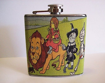 Wizard of Oz flask retro vintage fairy tale L Frank Baum scarecrow tin man kitsch