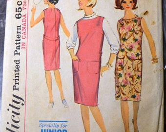 Vintage 1960s Sewing Pattern  Simplicity 5377 Junior Petite Dress Size 7 Bust 32 Complete