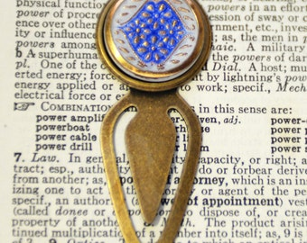 Czech Button Bookmark, Up Cycled Bookmark, Brass Bookmarker, Book Lover Gift, Avid Reader Gift, Bookworm Accessory, SRAJD