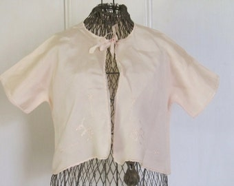Vintage 1940's Pale Peach Baby Bed Jacket, Baby Shower Gift, Ships Worldwide