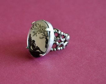 Sale 20% Off // AFTERNOON READING in the PARK Ring - Silhouette Jewelry // Coupon Code SALE20