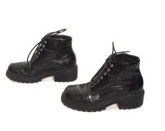 size 6 PLATFORM vegan leather 80s 90s COMBAT grunge lace up ankle boots