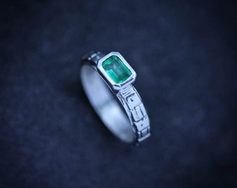 Columbian Emerald and Sterling Silver Size 8