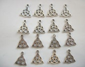 10 Triquetra Celtic Triangle Charms