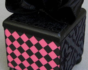 Pink and Black Checker Decorative Trinket  Lift Top Jewelry Box