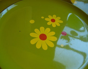 charming vintage lacquer plates