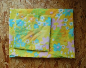 Yellow Floral Vintage Twin Fitted Sheet with Pillowcase