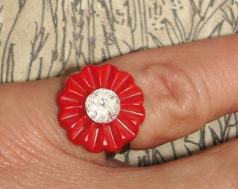 adorable vintage red flower button ring with faux diamond center