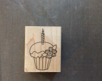 Hero Arts Cupcakes