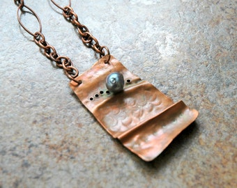 Copper Necklace with Charcoal Grey Freshwater Pearl
