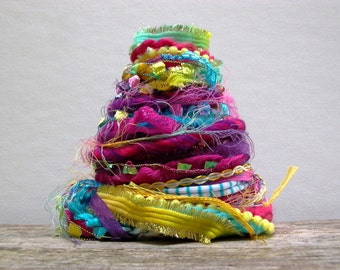 samba fringe effects™  21yds of specialty fibers festive colors novelty art yarn bundle . turquoise hot pink yellow purple