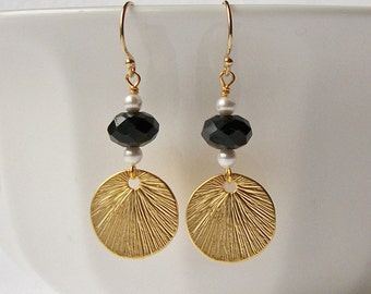 ON SALE Black White Pearl Drop Earrings