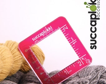 Silmuccaruutu -Knitting Gauge Checker, magenta knitting tool with two scales, precise square made out of recycled plastic