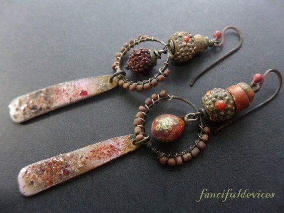 Saudade. Red rustic assemblage earrings with artisan elements.