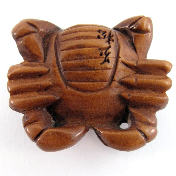 Cancer sign crab bead hand carved boxwood ojime