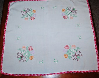Vintage Tablecloth Crochet Pink and Bouquets