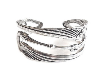 Kiss Bird Bracelet Woman Gift/ Special gift/ Silver bracelet/ Elegant style/ Unique bracelet/ Handmade/ Made in France/Fashionable bracelet