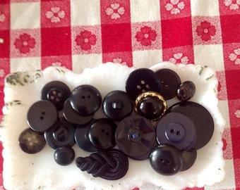 Lot of vintage black buttons - Lot W