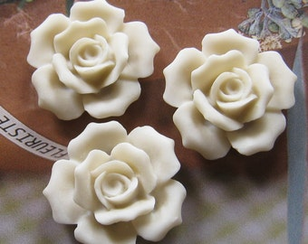 27mm - White Rose Cabochon - 4 pcs (CA835-B)