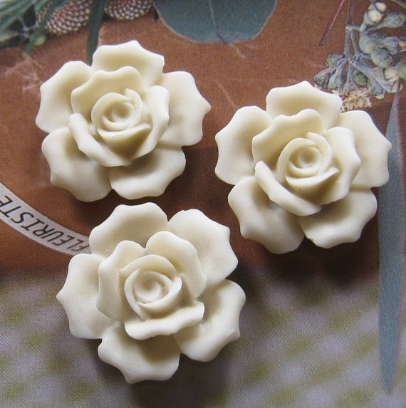 27mm - White Rose Cabochon - 4 pcs (CA835-B)