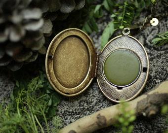 Evergreen Mountain™ - natural solid perfume mini compact - spruce, jasmine, wood, balsam, fresh green mountain air fragrance
