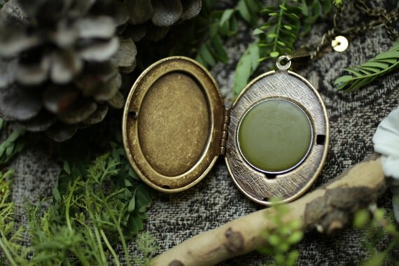 Evergreen Mountain™ - natural solid perfume mini compact - spruce, jasmine, wood, balsam, fresh green mountain air fragrance
