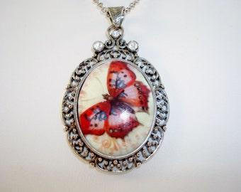 Lovely Silvertone Butterfly Pendant Necklace