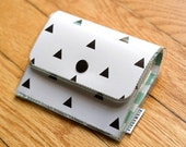 Black and White Triangle - Accordion Wallet