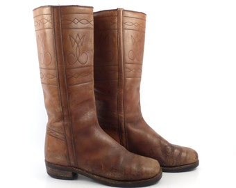 Brown Campus Boots Vintage 1960s  Leather Distressed