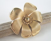 Vintage Gold Flower Brooch Floral Pin