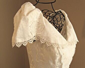 Vintage Scott McClintock gown / dress. Designer. Bride, Bridal, wedding, white, Victorian, romantic. Size 6. USA