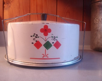 Vintage 1940 Cake Carrier   Retro Kitchen  Kitschy  Red and Green Vintage metal