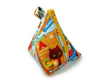 Small Change Purse Kitty Cat Coin Purse Small Zipper Pouch Kawaii Japanese Fabric Triangle Pyramid Pouch Toys Cats Matryoshka
