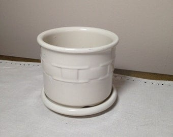 Longaberger Pottery Planter with Dish Base USA Cream
