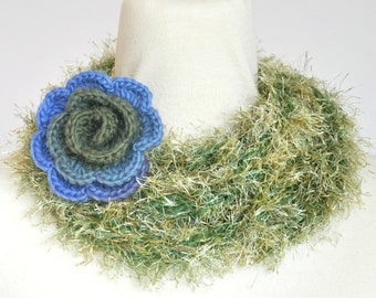 Puffy Rope - Rose - Green - Handknitted Long Narrow Scarf wz Crochet Flower