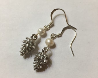 Pretty Pearly Earrings