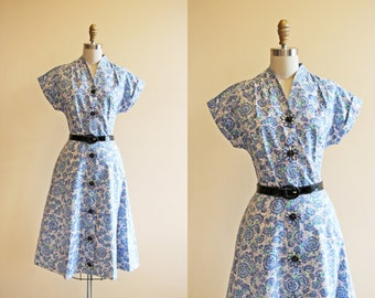 Vintage 1940s Dress - 40s Dress - Blue Novelty Daisy Button Cotton Sundress M L - Sunday Morning All Day Long