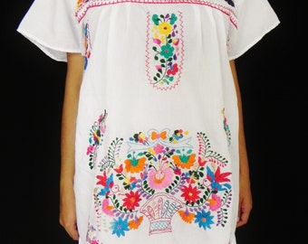 Mexican White Dress Fantastic Embroidered Colorful Handmade Collection Spring / Summer Medium