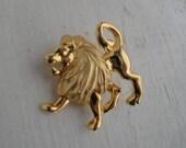 Vintage Lion Gold Tone Pin Brooch
