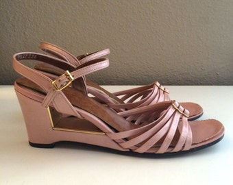Vintage Shoes Women's 70's Disco Wedges, Pink, Gold, Sandals (Size 6N)