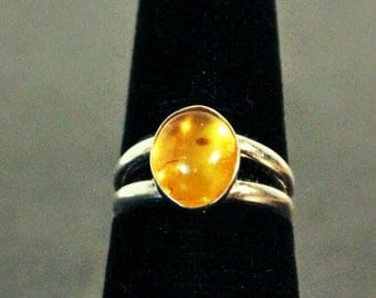 Sterling silver and Amber gemstone cabochon ring