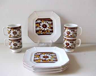 Vintage 1960s  plates and mugs Dinnerware set Luncheon set Plates and cups