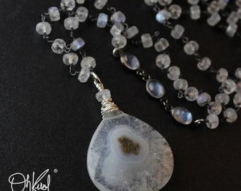 AAA Grade Solar Quartz Necklace - Rainbow Moonstone Chain - Black Rhodium