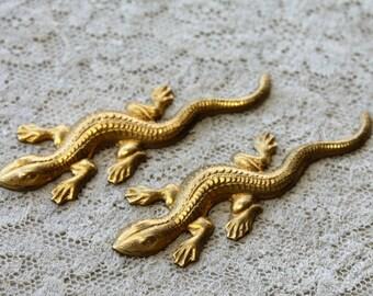 2 Vintage 1970s Brass Lizard Stampings // 60s 70s Craft Jewelry Supply // NOS // Salamander