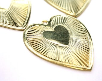 3 Vintage 1970s Bright Brass Heart Pendants // 70s 80s Hearts Stampings // NOS Jewelry Craft Supply // Sweetheart // Love